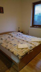 posteľ 2